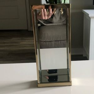 Gold mirrored necklace stand